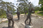 blue-mountains;katoomba;convict-statues;lillianfelds-park;three-sisters;steven-david-miller;natural-wanders