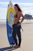 surfer;surfer-girl;byron-bay;byron-bay-surfer;woman-with-surfboard;woman-surfer;surfer-at-byron-bay;