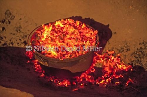gemtree caravan park;gemtree;camping;campfire;camp fire place;fire for camp oven;camp oven;cooking over fire;central australia;steven david miller;natural wanders