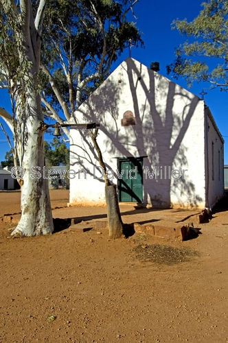 hermannsburg;hermannsburg historic district;hermannsburg lutheran mission;hermannsburg chapel;ted strehlow;albert namatjira;northern territory;central australia;steven david miller;natural wanders