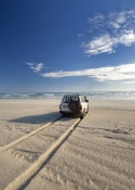 gunyah-beach;coffin-bay-national-park;south-australian-national-park;australian-national-park;4WD-on-beach;beach-driving;tyre-tracks-on-beach;eyre-peninsula