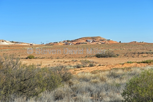 coober pedy;coober pedy picture;coober pedy houses;coober pedy landscape;opal mining town;opal mining town of coober pedy;coober pedy opal mine;outback;australian outback;south australia;stuart highway town