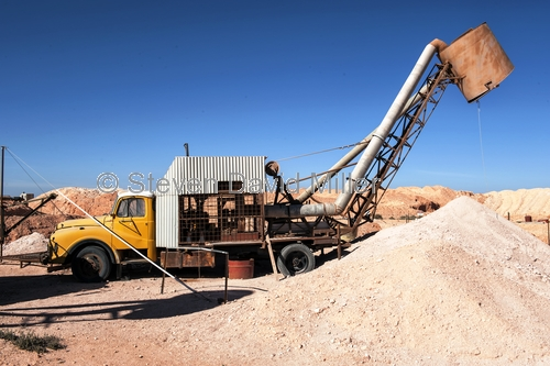 coober pedy;coober pedy picture;coober pedy mining truck;coober pedy mining machinery;opal mining town;opal mining town of coober pedy;coober pedy opal mine;outback;australian outback;south australia;stuart highway town