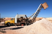 coober-pedy;coober-pedy-picture;coober-pedy-mining-truck;coober-pedy-mining-machinery;opal-mining-town;opal-mining-town-of-coober-pedy;coober-pedy-opal-mine;outback;australian-outback;south-australia;stuart-highway-town