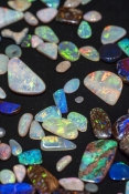 opal-picture;opal;opals;opal-gemstones;australian-opals;coober-pedy-opals;cut-opal-stones;opal-selection;coober-pedy;andamooka;lightening-ridge;colourful-opals;colorful-opals