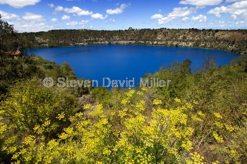 blue lake;mount gambier;volcanic crater lake;mount gambier water supply