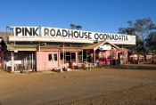 pink-roadhouse;oodnadatta-track;oodnadatta;south-australian-outback-track;outback-track