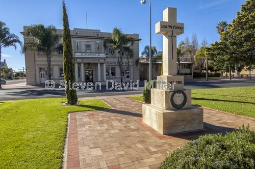 renmark;soldiers memorial;ww1 memorial;murray river