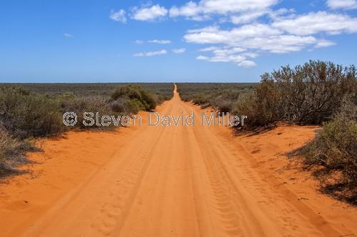francois peron national park;peron road;francois peron track;francois peron 4wd track;western australia national parks;4wd caution sign;4wd francois peron national park