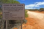 francois-peron-national-park;peron-road;francois-peron-track;francois-peron-4wd-track;western-australia-national-parks;4wd-caution-sign;4wd-francois-peron-national-park