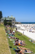 perth;perth-beach;beach;sunbathers;leighton-beach