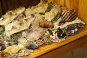 gemtree-caravan-park;gemtree;australian-gemstones;gemstone-display;mineral-display;mineral-rocks;aus