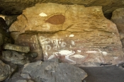 quinkan-aboriginal-rock-art;mona-lisa-rock-art-shelter;rock-art-shelter;jowalbinna-rock-art-safari-c