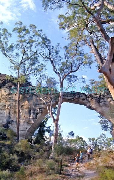 marlong arch;mount moffat;carnarvon national park;sandstone arch