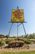 emerald;emerald-information-centre;emerald-visitor-information;emerald-van-gogh-sunflowers;van-gogh-