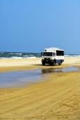4wd-tour-bus;fraser-island-4wd-tour-bus;fraser-island;fraser-island-beach;fraser-island-national-par