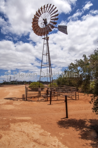 peron homestead;francois peron national park;western australia national parks;francois peron national park windmill;peron homestead interpretive walk;windmill;wind mill