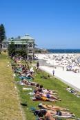 perth;perth-beach;beach;sunbathers;leighton-beach