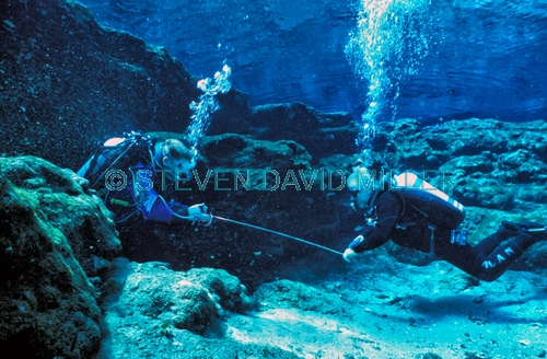 ginnie springs;divers at ginnie springs;ginnie springs cave divers;devil spring system divers;divers in devil spring system;florida springs cave divers