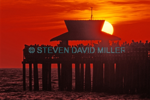 naples pier;naples;naples beach;naples sunset;naples pier sunset;sunset;gulf of mexico sunset;sunset on the gulf of mexico